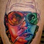 robienie tatuażu na ciele